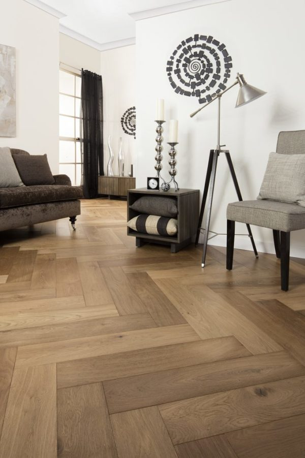 Melbourne-Herringbone_Balinese_Oak_007_MR-682x1024